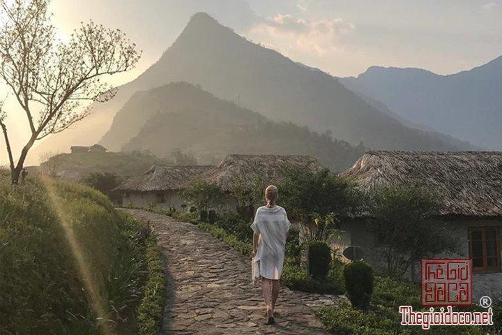 Ngoi-lang-Hobbit-tai-Sapa-ban-da-di-chua-Review-Sapa (14).jpg