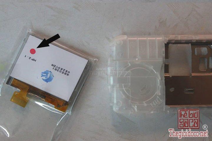 Huong-dan-do-2-man-hinh-cho-Nokia-1202-cuc-ky-don-gian-ma-ai-cung-lam-duoc (1).jpg