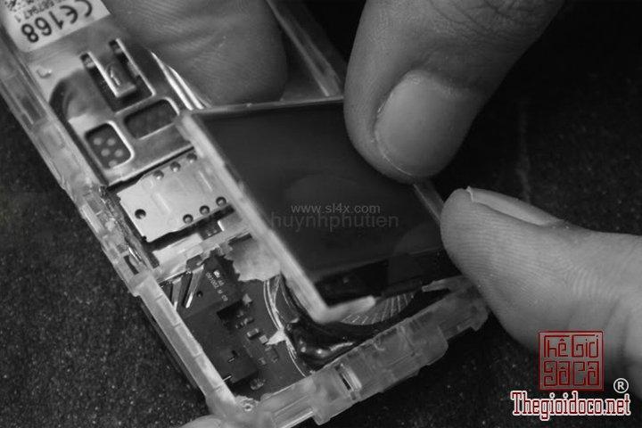 Huong-dan-do-2-man-hinh-cho-Nokia-1202-cuc-ky-don-gian-ma-ai-cung-lam-duoc (15).jpg