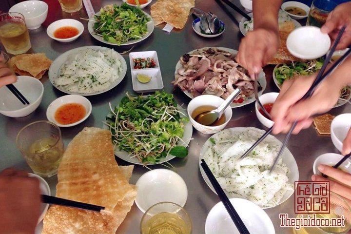 Review-Quy-Nhon-Dia-diem-du-lich-cuc-ky-hap-dan-tai-Binh-Dinh  (16).jpg
