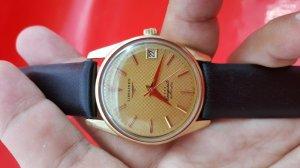 Đồng hồ Longines conquest đơmi mặt vàng xưa chính hãng