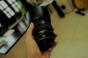 Lens Canon 85 f1.8 + filter UV + Hood