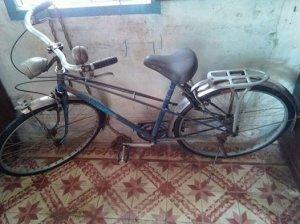 Xe đạp xưa.