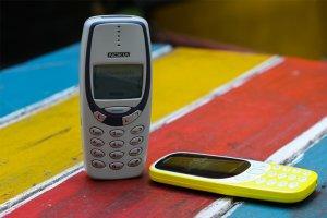 Danh-gia-su-khac-nhau-giua-Nokia-3310-2017-va-Nokia-3310-2000 (3).jpg