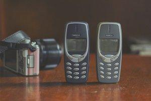 Danh-gia-su-khac-nhau-giua-Nokia-3310-2017-va-Nokia-3310-2000 (5).jpg
