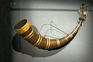 Nhung-chiec-sung-uong-ruu-cuc-ky-doc-dao-cua-nguoi-Thracian-va- nguoi-Viking-co-dai (2).jpg