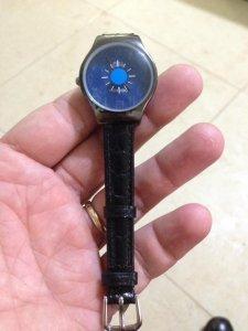 Đồng hồ Doukou, dây da thật mới