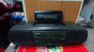 Máy boombox khủng Panasonic RX-DT77 cần bán