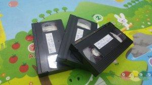 3 cuốn băng Video VHS tuyển chọn tiếng hát Chế Linh 1 - Thanh Tuyền 1 - Tuấn Vũ 2 .