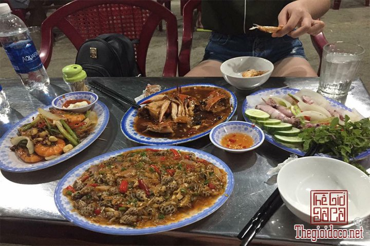 Review-Hoi-An-Da-Nang-Cu-Lao-Cham-gia-re-bat-ngo-cho-cac-ban-tham-khao (7).jpg