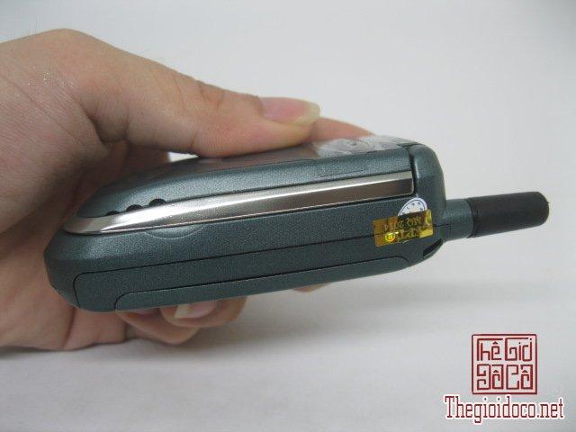 Motorola-V8088-Motorola-V-cuoi-MC2 (3).JPG