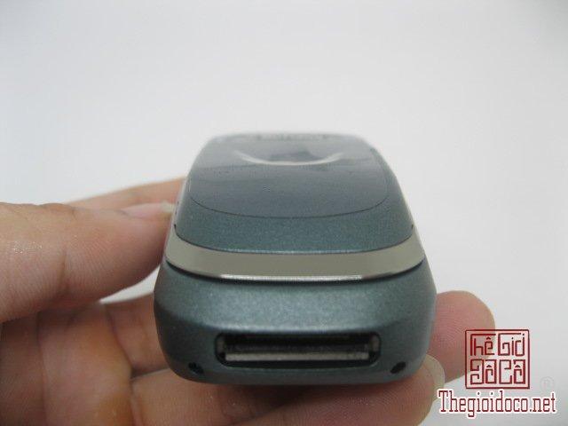 Motorola-V8088-Motorola-V-cuoi-MC2 (5).JPG