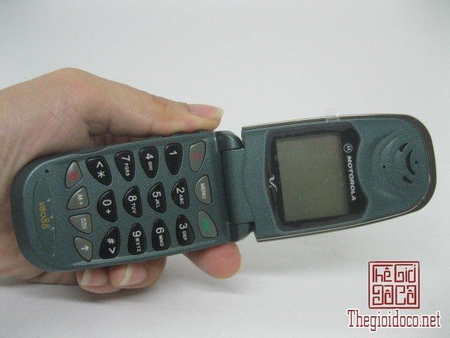 Motorola-V8088-Motorola-V-cuoi-MC2 (7).JPG
