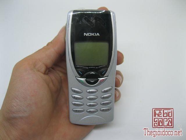 Nokia-8210-nguyen-zin-chinh-hang-cực-doc (1).JPG