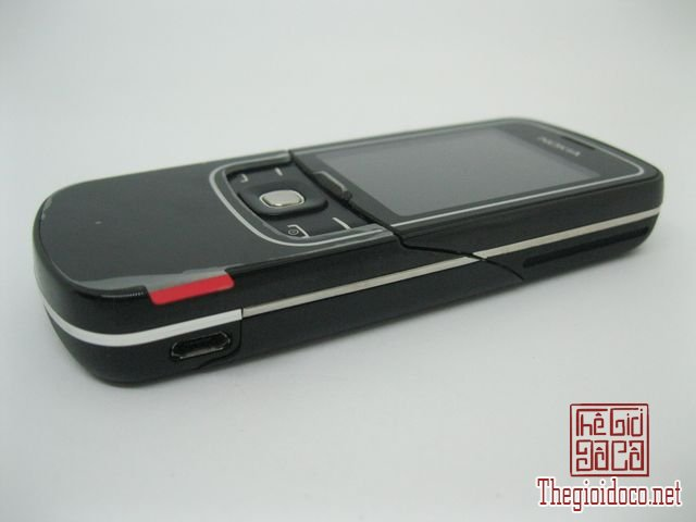 Nokia-8600-Luna (5).JPG