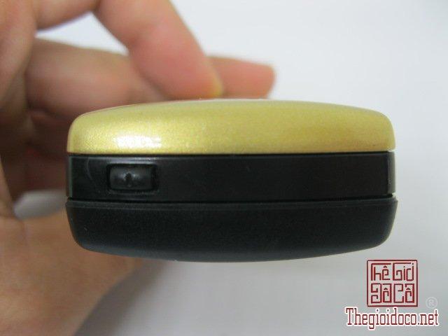 Nokia-8910-Gold (13).JPG