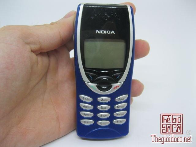 Nokia-8210-Xanh (8).JPG