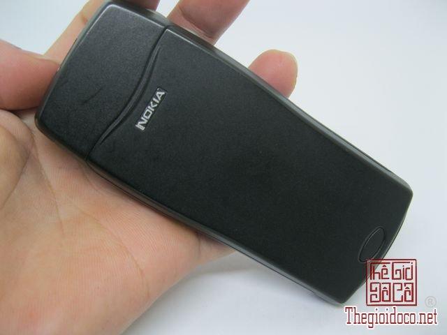 Nokia-8210-Xanh (9).JPG