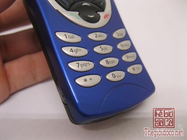 Nokia-8210-Xanh (14).JPG