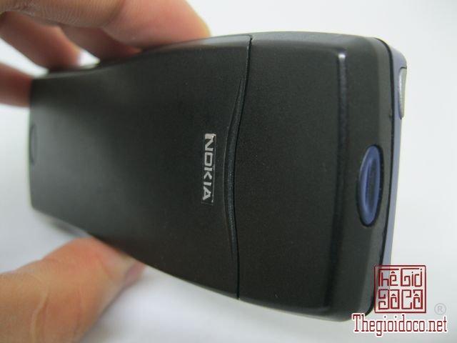 Nokia-8210-Xanh (17).JPG