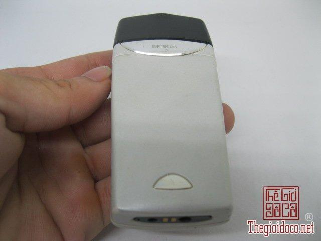 Nokia-8310-Trang (2).JPG