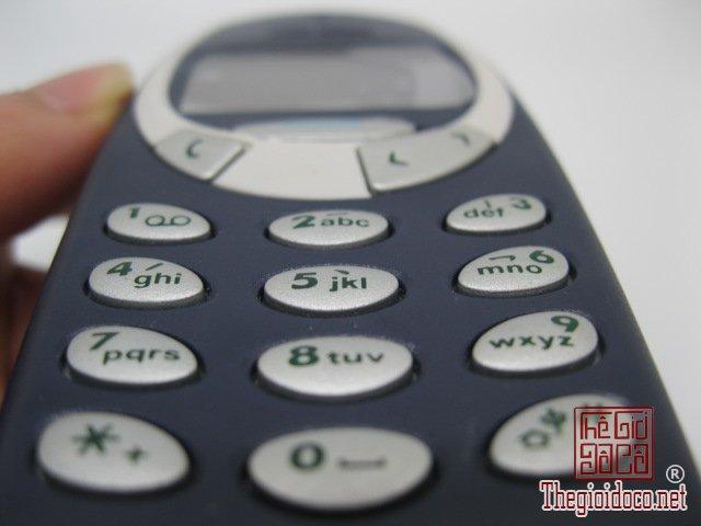 Nokia-3310-Xanh (7).JPG