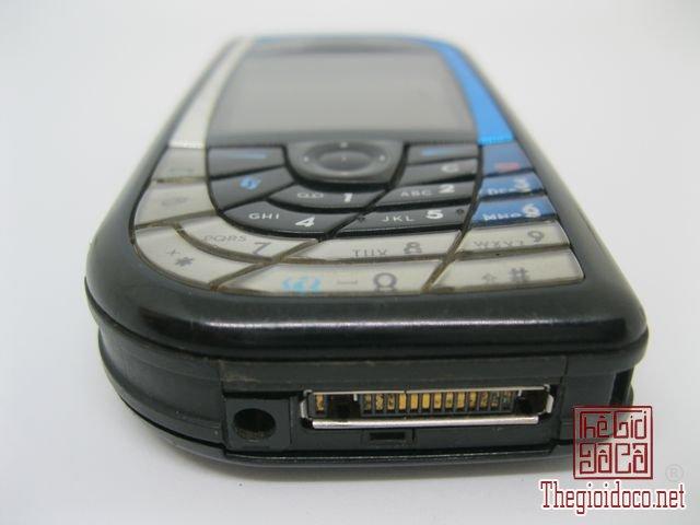 Nokia-7610-Xanh (3).JPG