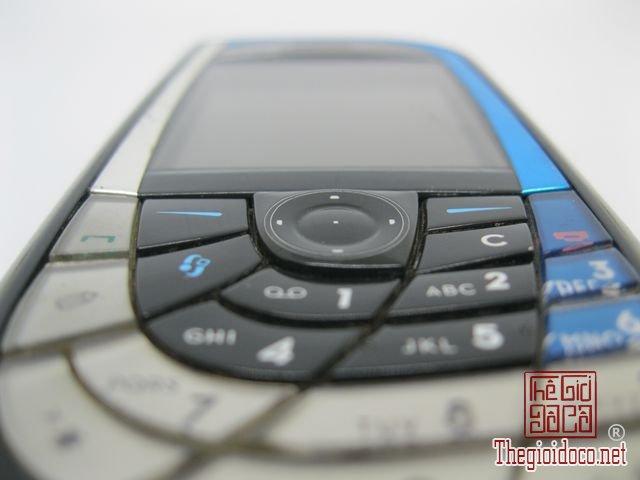 Nokia-7610-Xanh (7).JPG