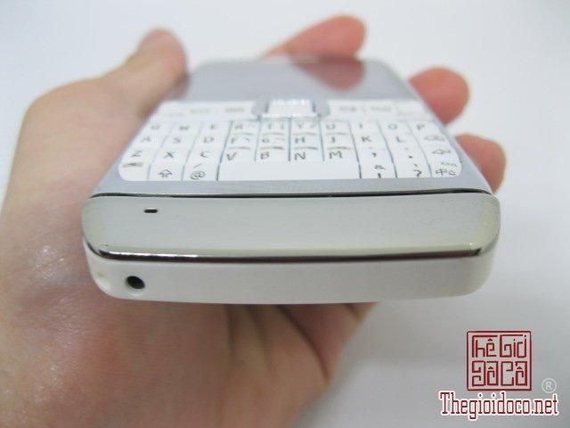 Nokia-E71-Trang (5).JPG