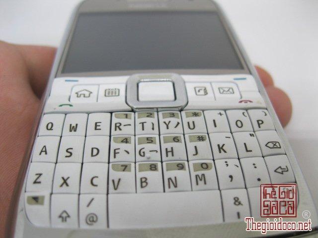 Nokia-E71-Trang (7).JPG
