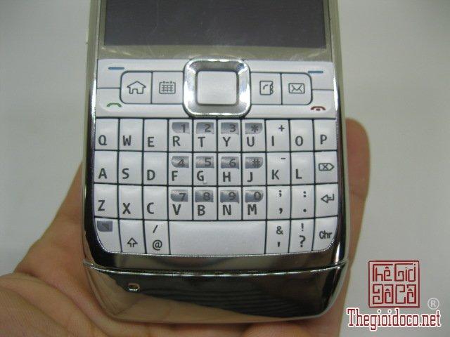 Nokia-E71-Trang (12).JPG