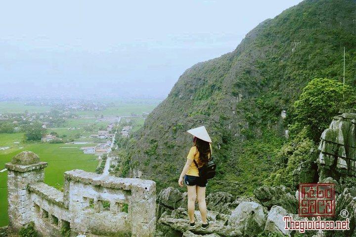 Review-ngan-gon-ve-chuyen-di-Ninh-Binh-va-nhung-khach-san-dang-o-tai-noi-day (1).jpg