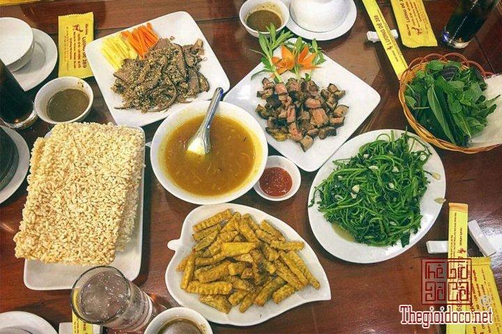 Review-ngan-gon-ve-chuyen-di-Ninh-Binh-va-nhung-khach-san-dang-o-tai-noi-day (19).jpg