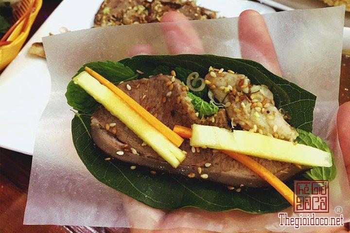 Review-ngan-gon-ve-chuyen-di-Ninh-Binh-va-nhung-khach-san-dang-o-tai-noi-day (20).jpg
