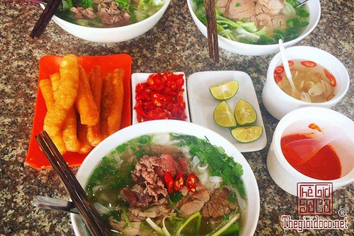 Review-ngan-gon-ve-chuyen-di-Ninh-Binh-va-nhung-khach-san-dang-o-tai-noi-day (22).jpg