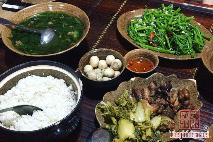 Review-ngan-gon-ve-chuyen-di-Ninh-Binh-va-nhung-khach-san-dang-o-tai-noi-day (32).jpg