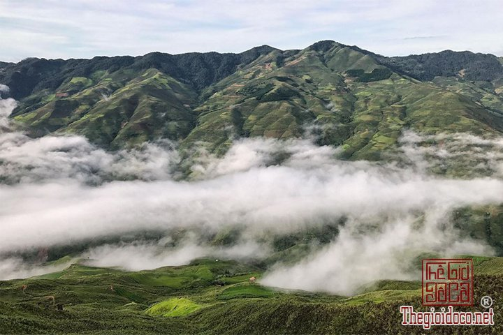 San-may-o-Ta-Xua-du-ngoan-Song-lung-khung-long-cho-cac-ban-tham-khao (26).jpg