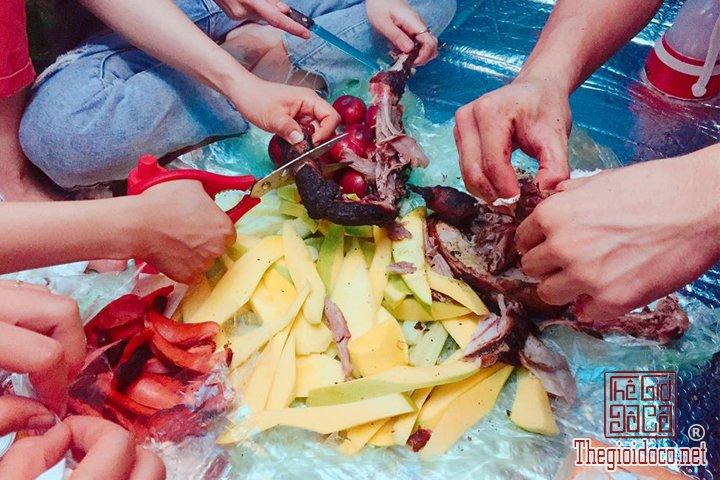 San-may-o-Ta-Xua-du-ngoan-Song-lung-khung-long-cho-cac-ban-tham-khao (31).jpg