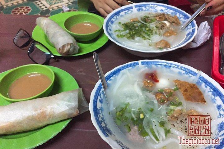 Review-Quy-nhơn-Tuy-hoà-Thien-duong-Bien-dao-Viet-Nam-ban-nen-den-mot-lan-trong-doi (14).jpg