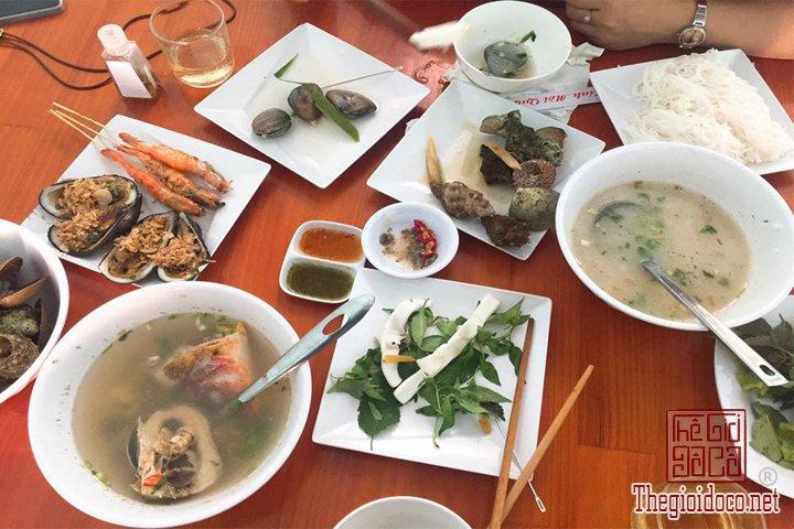 Review-Quy-nhơn-Tuy-hoà-Thien-duong-Bien-dao-Viet-Nam-ban-nen-den-mot-lan-trong-doi (15).jpg