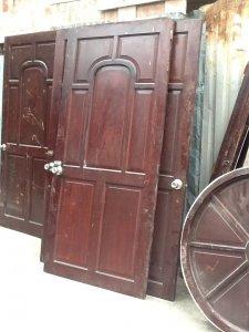 8 bộ cửa phòng ngủ gỗ căm xe