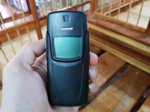 Nokia 8910 màu đen đẹp 95% nguyên zin sơn lại