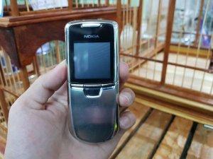 Nokia 8800 Anakin màu bạc đẹp 87% nguyên zin, sườn zin