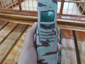 Nokia 8910 nguyên zin sơn lại màu kem quân đội đẹp 98%