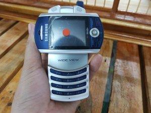 Samsung-Z130-mau-xanh-bac-dẹp-99%-nguyen-zin-MS-2258 (4).jpg