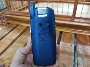 Samsung-Z130-mau-xanh-vien-bac-may-dep-MS-2205 (3).jpg