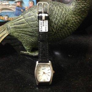 Đồng hồ Nhật Miss T