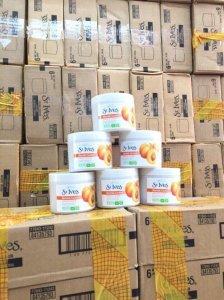 St.Ives Fresh Skin Apricot Scrub 283g