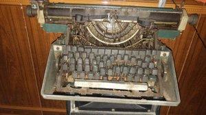 Bán đổi máy đáng chữ