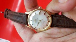 Omega Constellation càng gãy vỏ vàng khối 18k xưa chính hãng